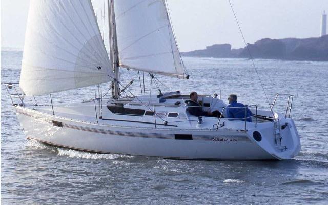 beneteau-oceanis-320-1